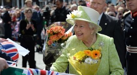 Kraliçe Elizabeth 90 yaşında haberi