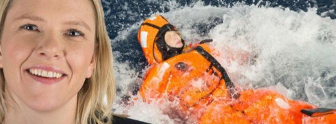 Norveçli Bakan denize atlayıp kurtarılmayı bekledi
