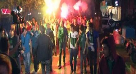 Kocaelispor taraftarı şampiyonluğu kutladı haberi