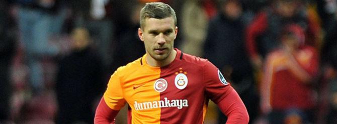 Podolski'den olay 'Passolig' tweeti