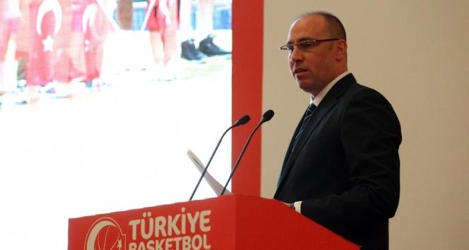 Erdenay, Galatasaray'ı kutladı