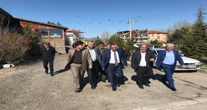 Pursaklar Belediye Başkanı Çetin, Peçenek Mahallesi'nde incelemelerde bulundu