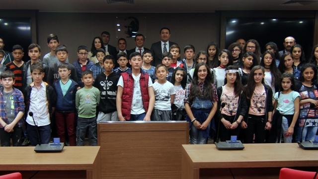 Şereflikoçhisar YİBO öğrencileri Ankara'yı gezdi