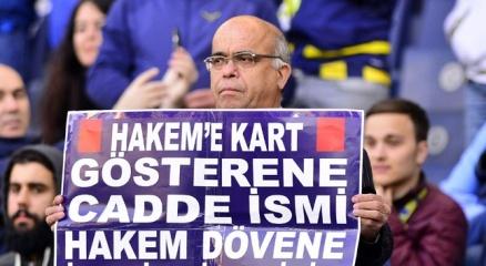 Fenerbahçeli taraftarlardan hakemlere destek