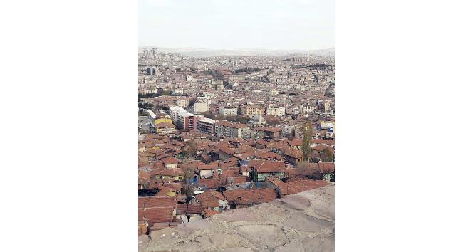 Ankara Kalesi surlarında ölüm tehlikesi