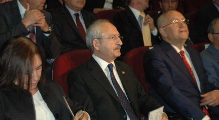 Kılıçdaroğlu, 'Halktan Biri' oyununu izledi