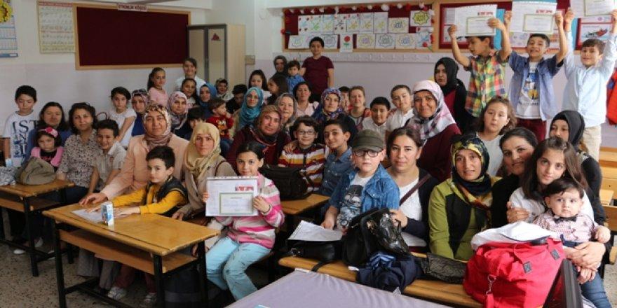 Çizmeci'de mezuniyet sevinci