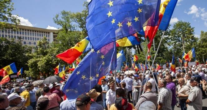 Moldova'da yeni seçim sistemi protesto edildi