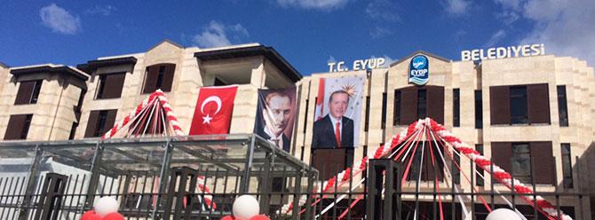 Davutoğlu'nun posteri yoktu