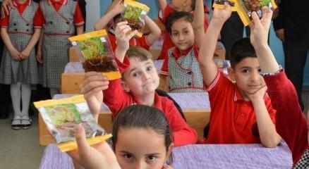 Okullarda kuru üzüm dağıtımı başladı haberi