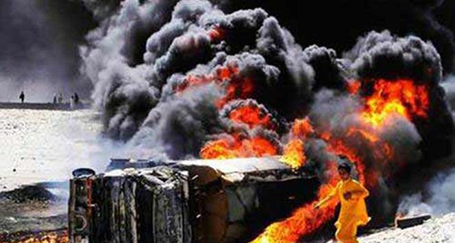 Pakistan'da tanker patladı: 120 ölü, 130 yaralı