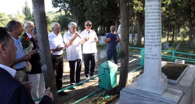 Kılıçdaroğlu, Yahya Kaptan'ın mezarını ziyaret etti