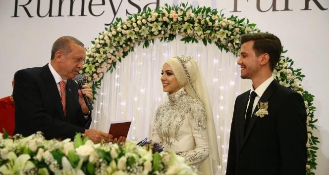 Sözcü İbrahim Kalın'ın kızı Rumeysa Kalın evlendi