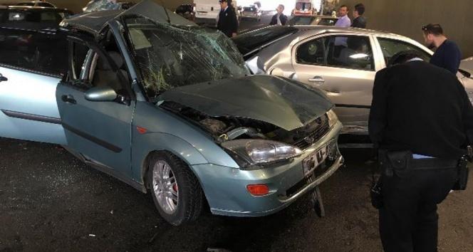 9 araç birbirine girdi: 10 yaralı