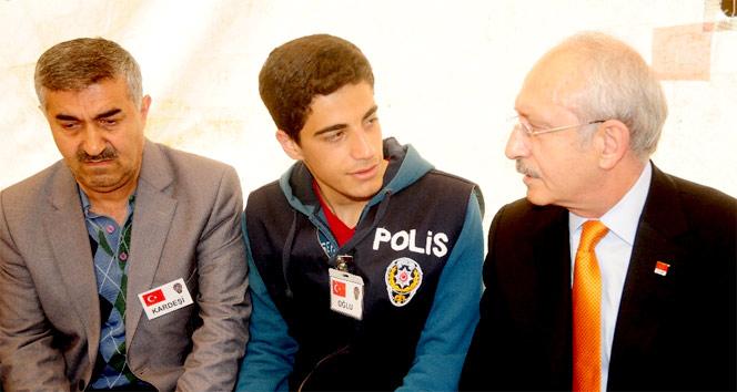 Kılıçdaroğlu Van'da şehit evini ziyaret etti