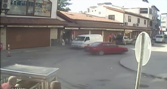 Drift yaparken kaza yapan kadın otomobili yakmaya çalıştı