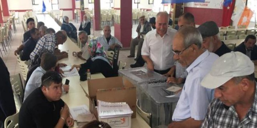 Ak Parti Güdül İlçe'de delege seçimi yapıldı