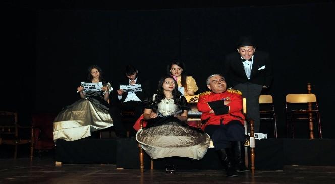 Kent Tiyatrosu Engelliler İçin Perde Dedi
