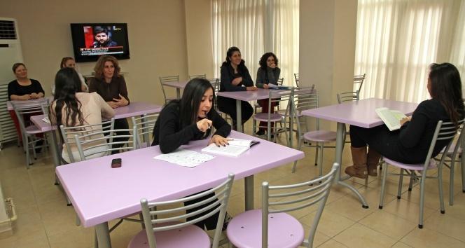 Üniversiteli kızlara modern yurt