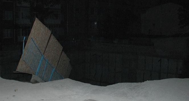 Başkent'te inşaat temeli çöktü