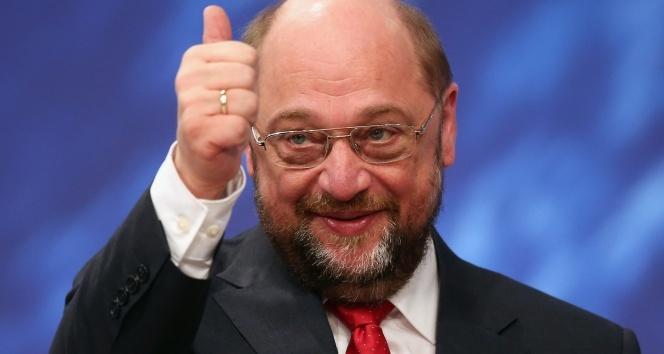 Martin Schulz'tan Türkiye'ye küstah tehdit