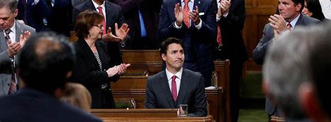 Kanada Başbakanı'na özür dileten dirsek darbesi