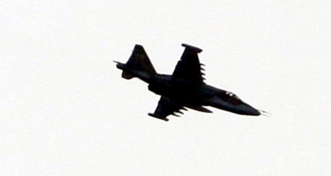 Suriye'nin Lazkiye şehrinde Rus savaş uçağı düştü!