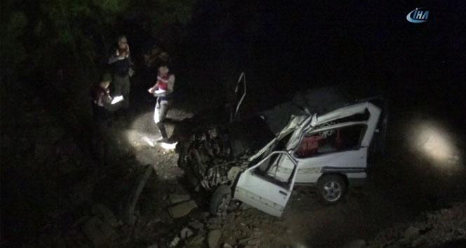 Ehliyetsiz sürücü kaza yaptı: 2 ölü