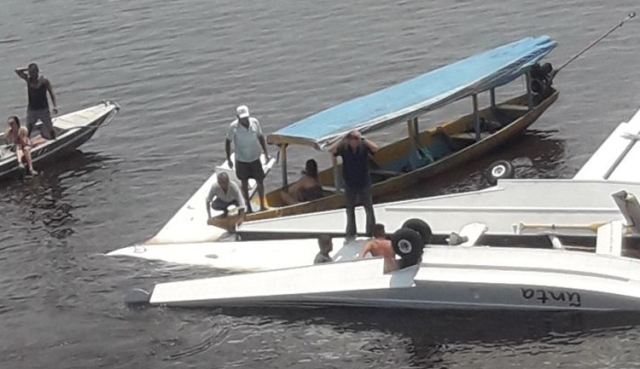 Brezilya'da Greenpeace uçağı düştü