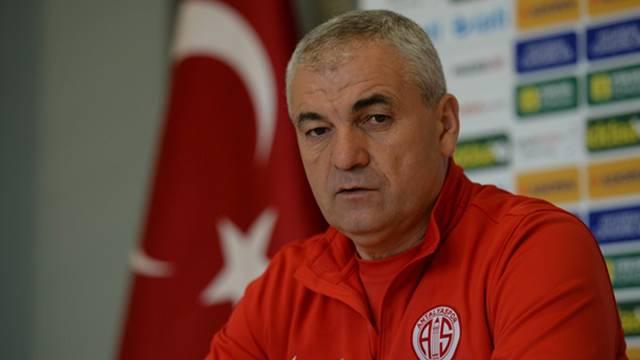 Rıza Çalımbay resmen Trabzonspor'da