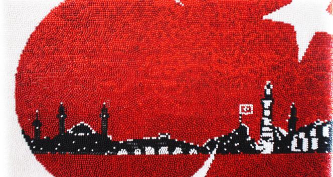 Yirmi günde 20 bin çivi kullanarak Türk bayrağı yaptılar