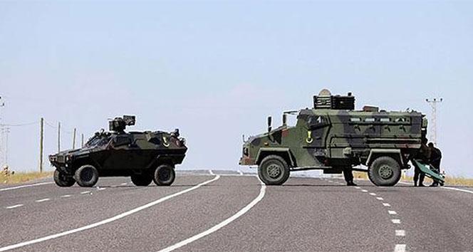 Sınırda Zırhlı araç devrildi