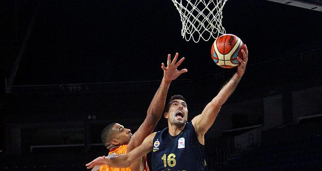 Basketbol derbisinin galibi Fenerbahçe