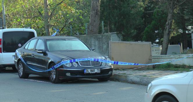Lüks bir otomobil içerisinde erkek cesedi bulundu