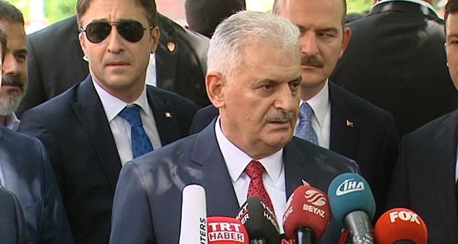 Başbakan Yıldırım: İsmail Kahraman'ın arkasındayız