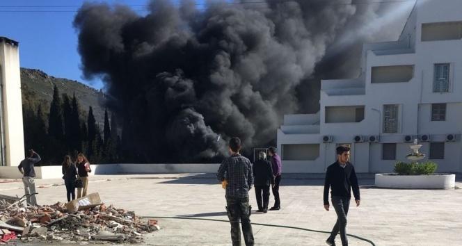 Okulun yakıt tankı patladı