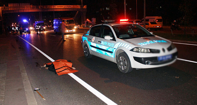 Yalova'da anne ile kızına minibüs çarptı: 2 ölü