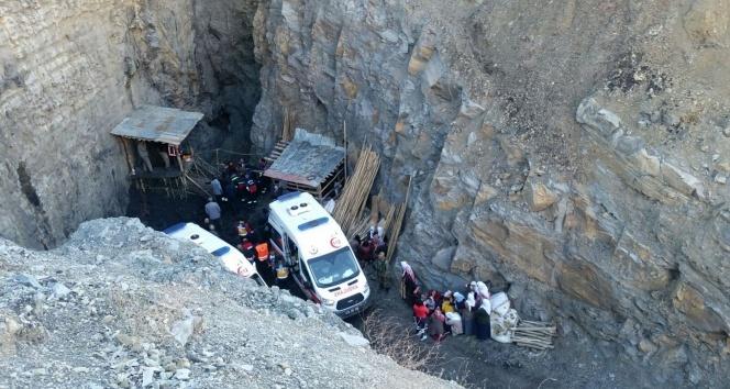 Kömür ocağında 3 kişi su dolu kuyuya düştü!