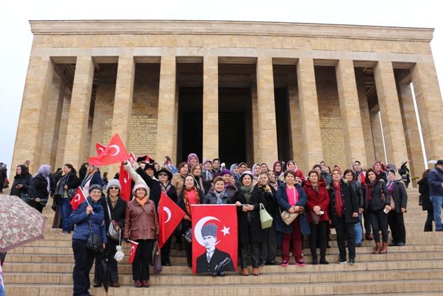 Kırşehirli kadınlar Ata'sının huzuruna çıktı