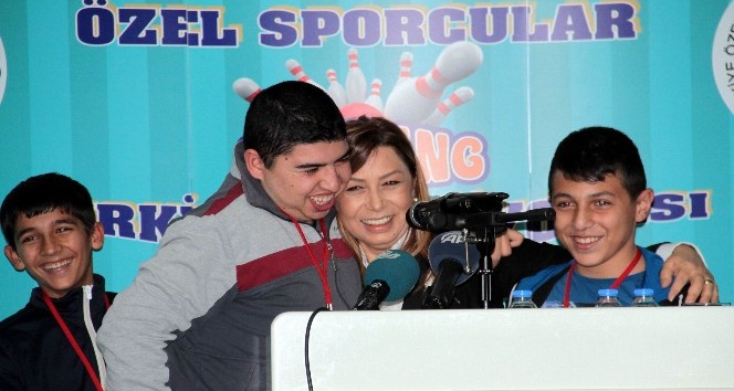 Başkent'te Engelliler Bowling Şampiyonası düzenlendi