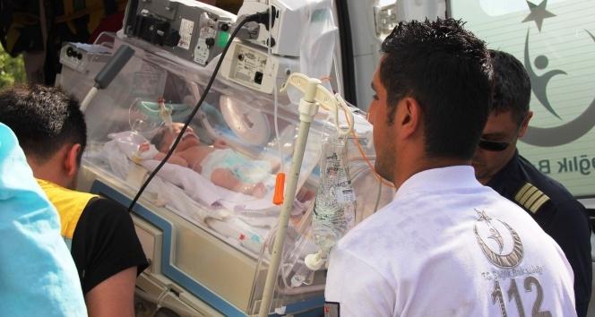 14 günlük Yiğit bebek ameliyat için İstanbul'a uçtu