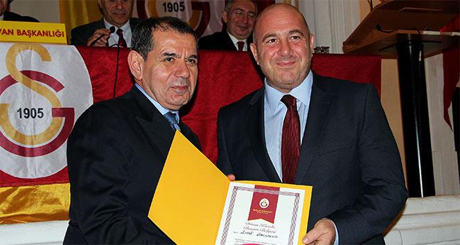 Galatasaray'da yeni divan kurulu üyeleri beratlarını aldı