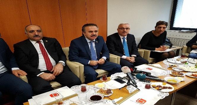 Türkiye başkanlarını seçiyor