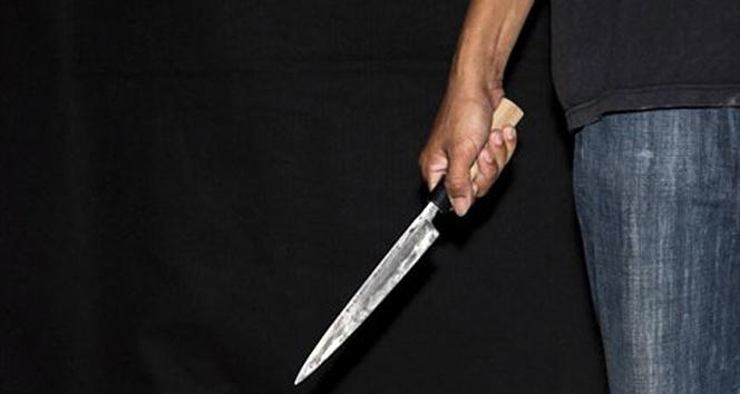 Üniversite kapısında bıçaklı kavga: 1 yaralı