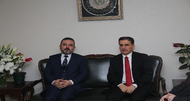 Ankara Valisi Topaca'dan Sincan Belediye Başkanı Ercan'a ziyaret