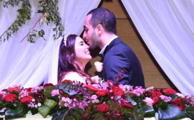 Ünlülerin Akın Ettiği Düğüne Sürpriz Konuk