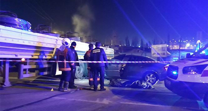 Ankara'da evli çifti trafik kazası ayırdı