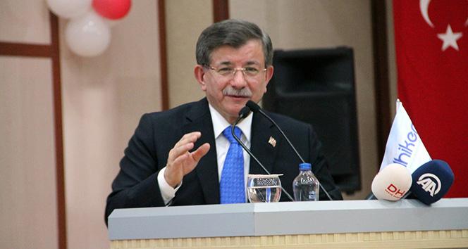 Ahmet Davutoğlu üniversiteli oldu