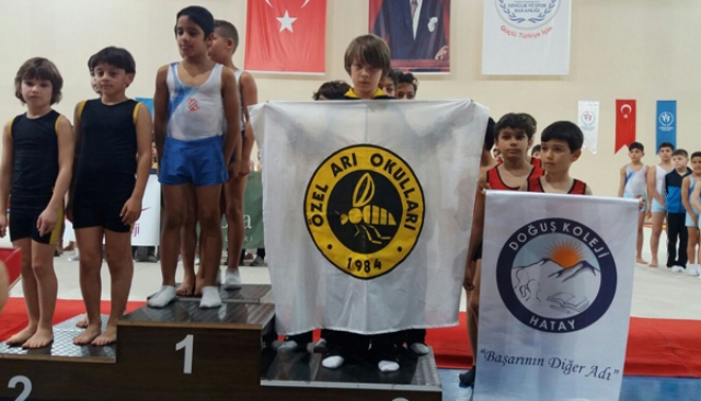 Özel Arı Okulları Türkiye üçüncüsü