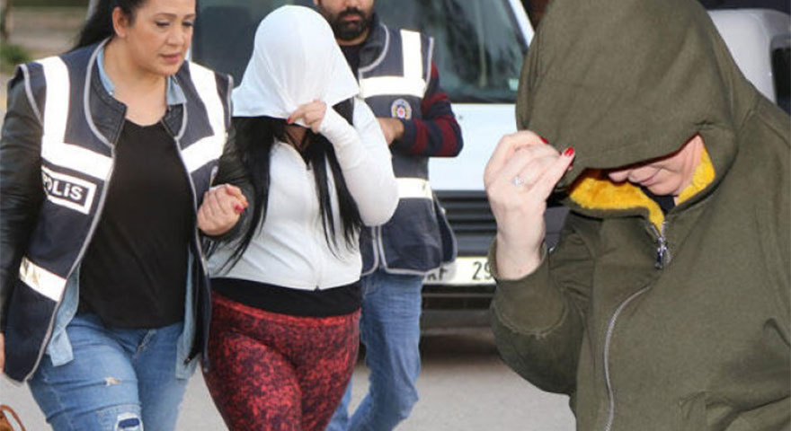 Adana'da büyük operasyon! Karısına bile fuhuş yaptırmış!